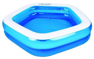 Basen dmuchany spełnia idealnie rolę przenośnego basenu ogrodowego, który bardzo szybko można złożyć. Szczególnie popularny z dedykacją dla dzieci.
