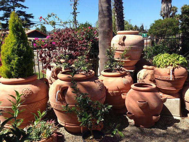 duże donice i doniczki ogrodowe gliniane