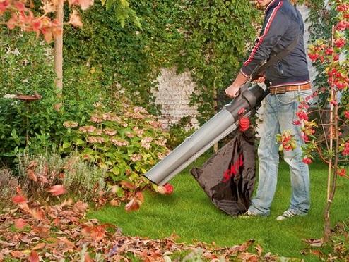 Dmuchawa do liści pozwala w szybki i wygodny sposób uporać się z bałaganem na naszym ogródku. Odkurzacz ogrodowy to oszczędność czasu i energii, warto jednak poszukać czegoś pod kątem naszych indywidualnych predyspozycji.