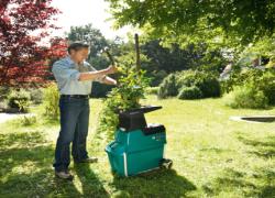Jaka rozdrabniarka do gałęzi będzie odpowiednia? Poradnik i aktualny ranking rozdrabniaczy ogrodowych