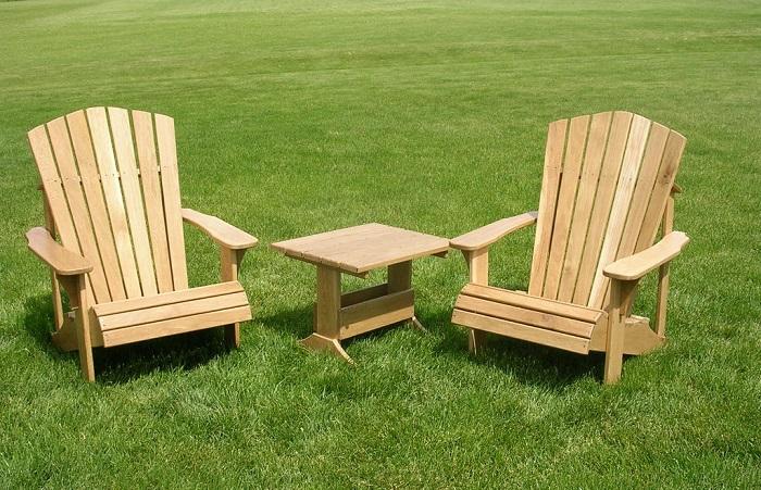 drewniane fotele ogrodowe ze stolikiem