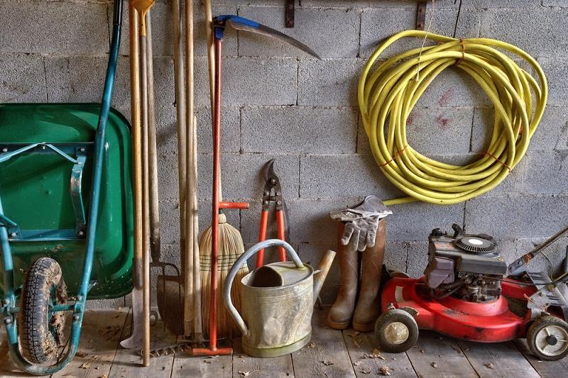 narzędzia i maszyny ogrodowe