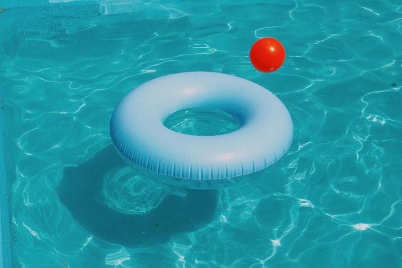 Koszty związane z przydomowym basenem – o czym musisz wiedzieć?